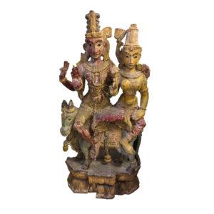 Деревянная скульптура божества Вишну со своей супругой Лакшми
